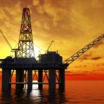 برنت عند 85.99 دولاراً للبرميل: النفط يواصل الصعود مع تراجع مخزونات أميركا
